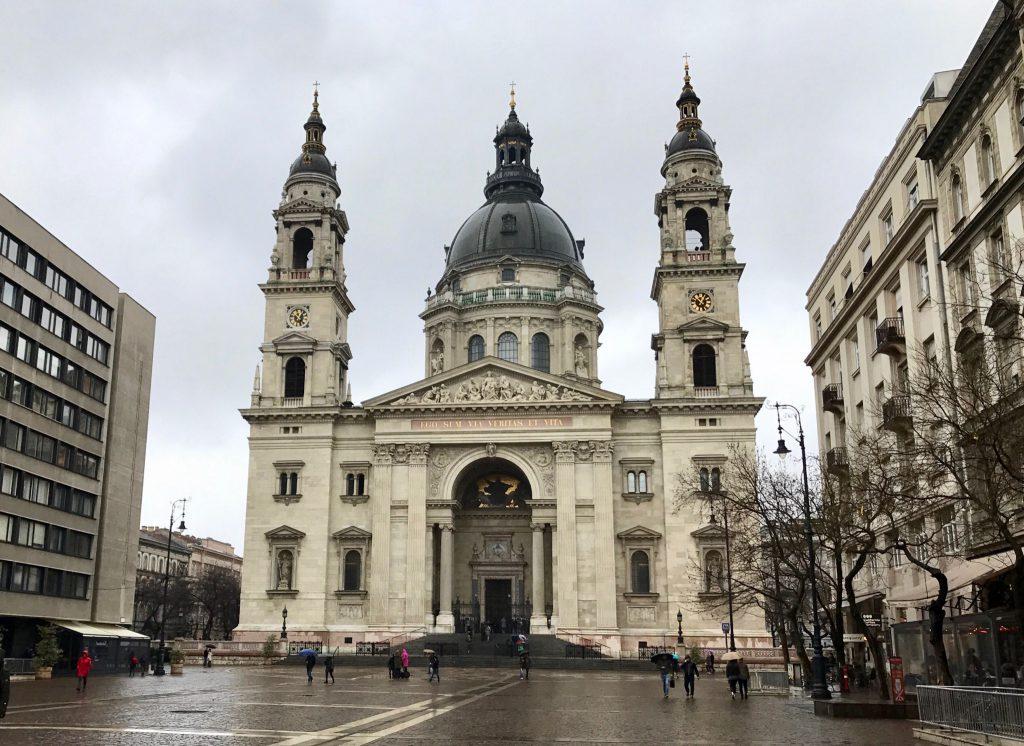 Intrarea în Basilica Sfântul Ștefan