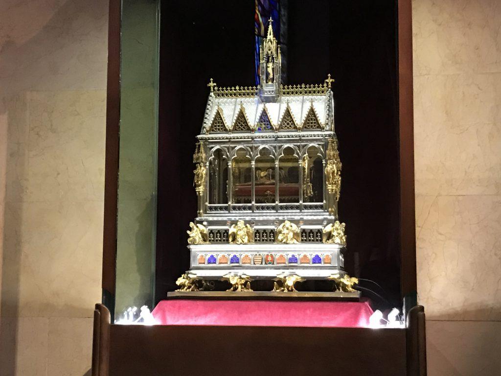 Mâna regelui Ștefan cel Sfânt