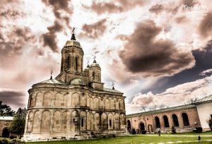 Anda Ignat - Mănăstirea Dealu