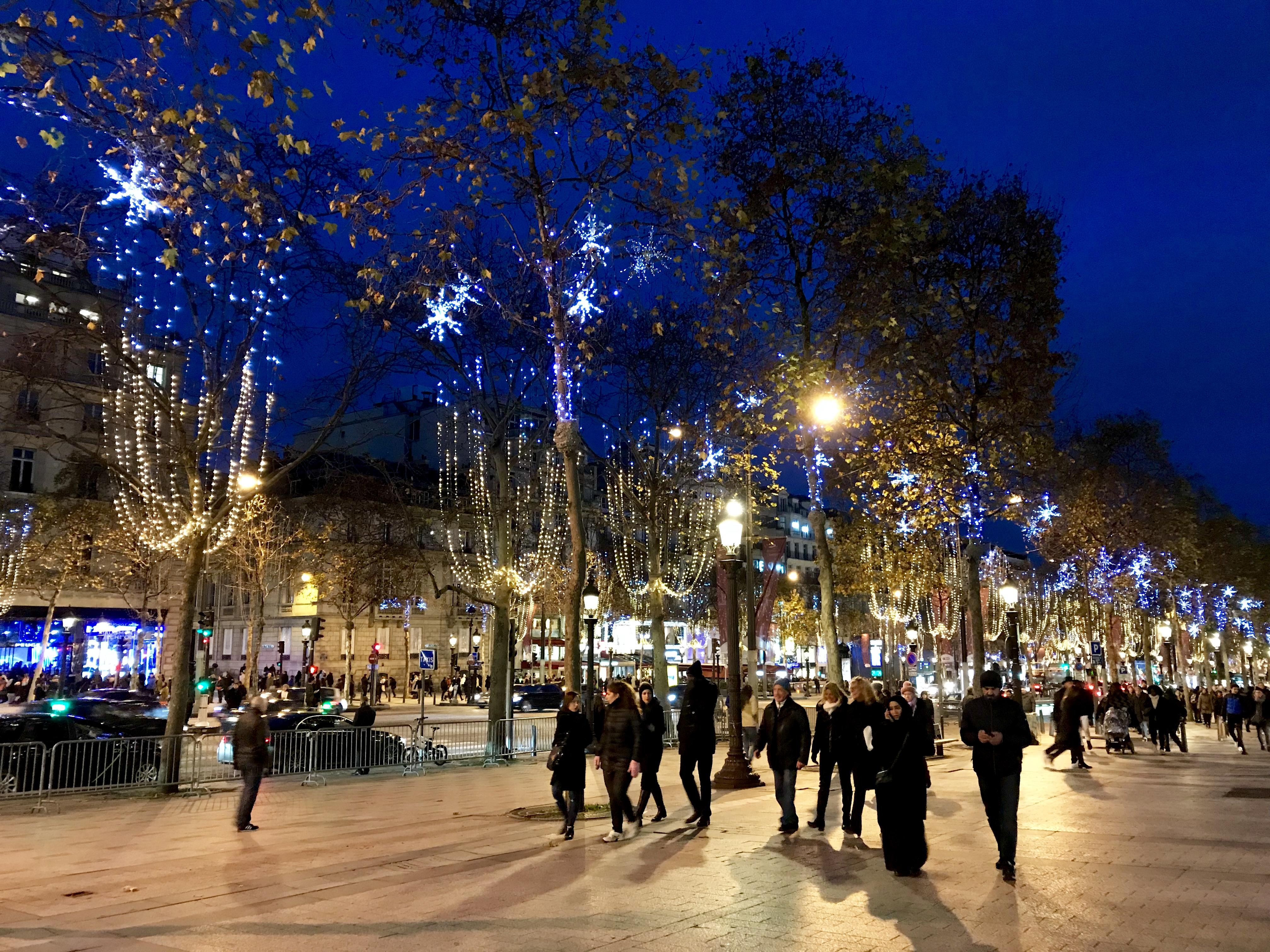 Bulevardul Champs-Elysees