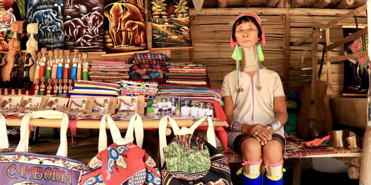 Satul Baan Tong Luang sau cum este să ți se transforme casa într-un muzeu