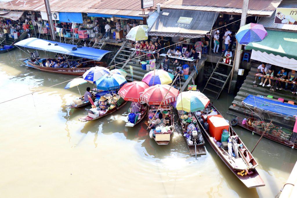 Piața plutitoare Amphawa