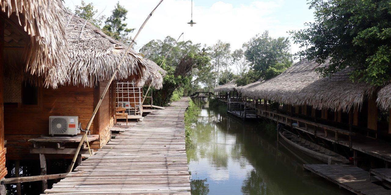 Unseen Thailand: Experiența cazării într-un bungalow suspendat pe apă