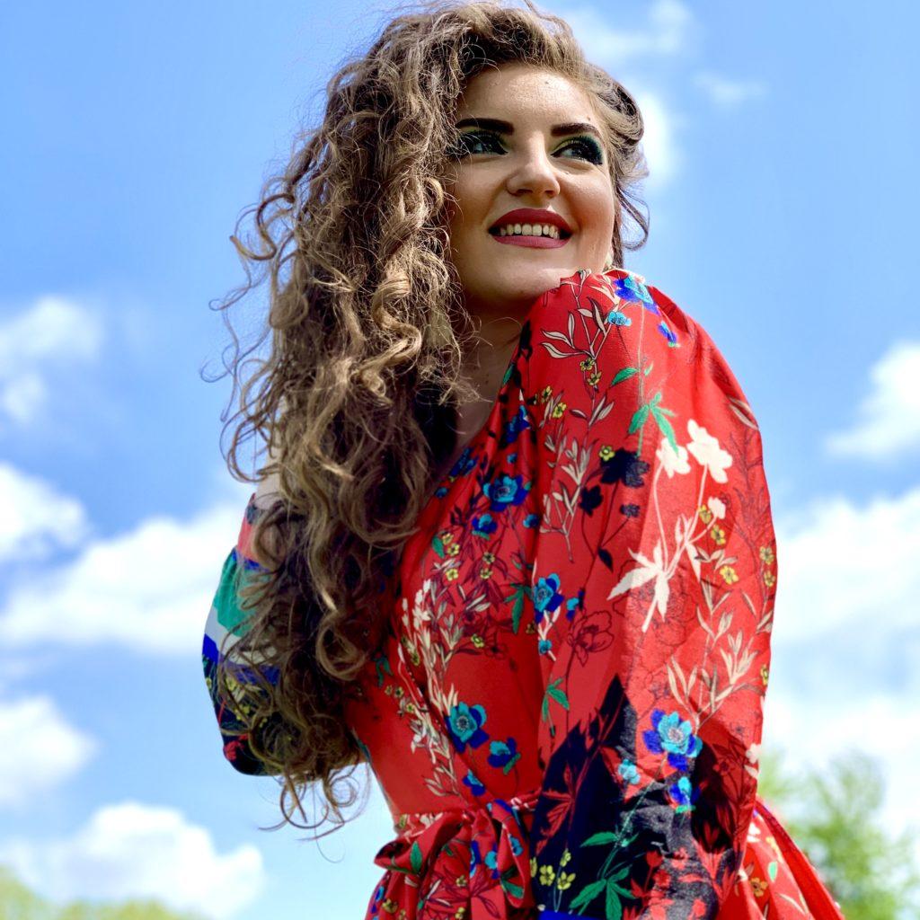 Oana Grozavu - Visător prin lume