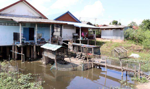 Unseen Thailand| Viața poate fi și așa: suspendată