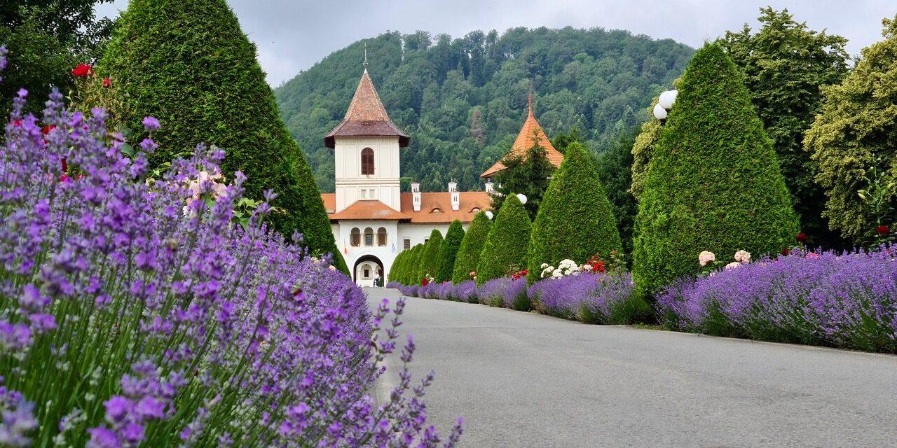 Țara Făgărașului | un loc al credințelor străvechi și al locurilor de reculegere