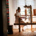 În vizită la Muzeul de Pânze și Povești din Mândra și descoperirea zestrei contemporane Mândra Chic